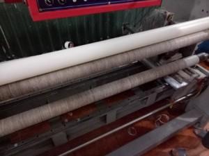 Ống nhựa trong máy cắt băng dính băng keo